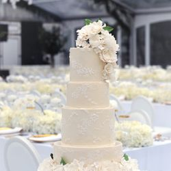 Photo Of Yuki Bakery Montreal Qc Canada Elegant Wedding With Sugar Flowers