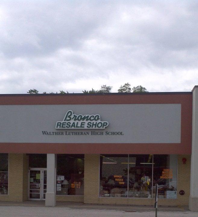 Bronco Thrift Shop: 5517 St Charles Rd, Berkeley, IL