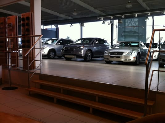 Toyota garage vitesse auto parts supplies europark for Garage toyota arles