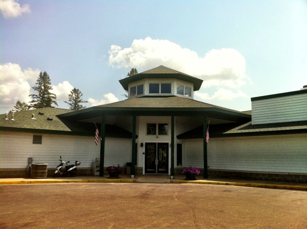 Detroit Country Club Dining Room: 24591 County Hwy 22, Detroit Lakes, MN