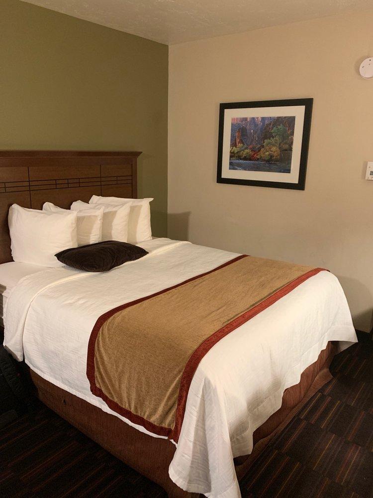 Best Western Town & Country Inn: 189 N Main St, Cedar City, UT