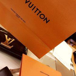 27c9344cbeea Louis Vuitton Chicago Oakbrook Center - 20 Photos   119 Reviews ...