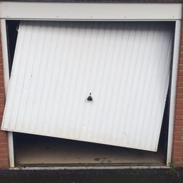 Photo Of Garage Door Repair Man   Derby, United Kingdom
