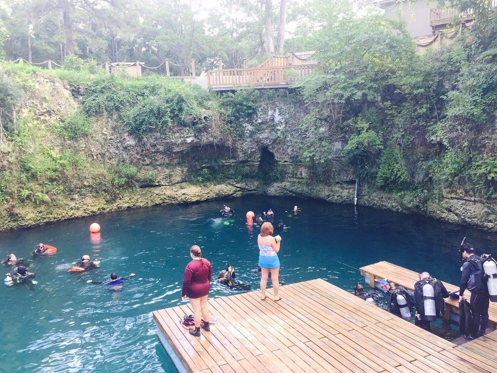 Blue grotto dive resort : Adventure kids books