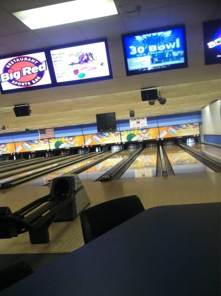 Thirty 30 Bowl: 1205 E 23rd St, Fremont, NE