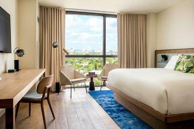 The Dalmar, Fort Lauderdale, a Tribute Portfolio Hotel: 299 N Federal Hwy, Fort Lauderdale, FL