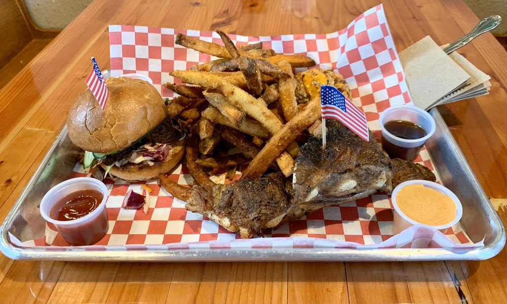 76 BBQ: 9320 SE Woodstock Blvd, Portland, OR