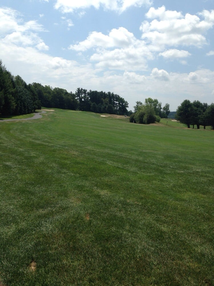 Southmoore Golf Course: 235 State Highway 512, Bath, PA