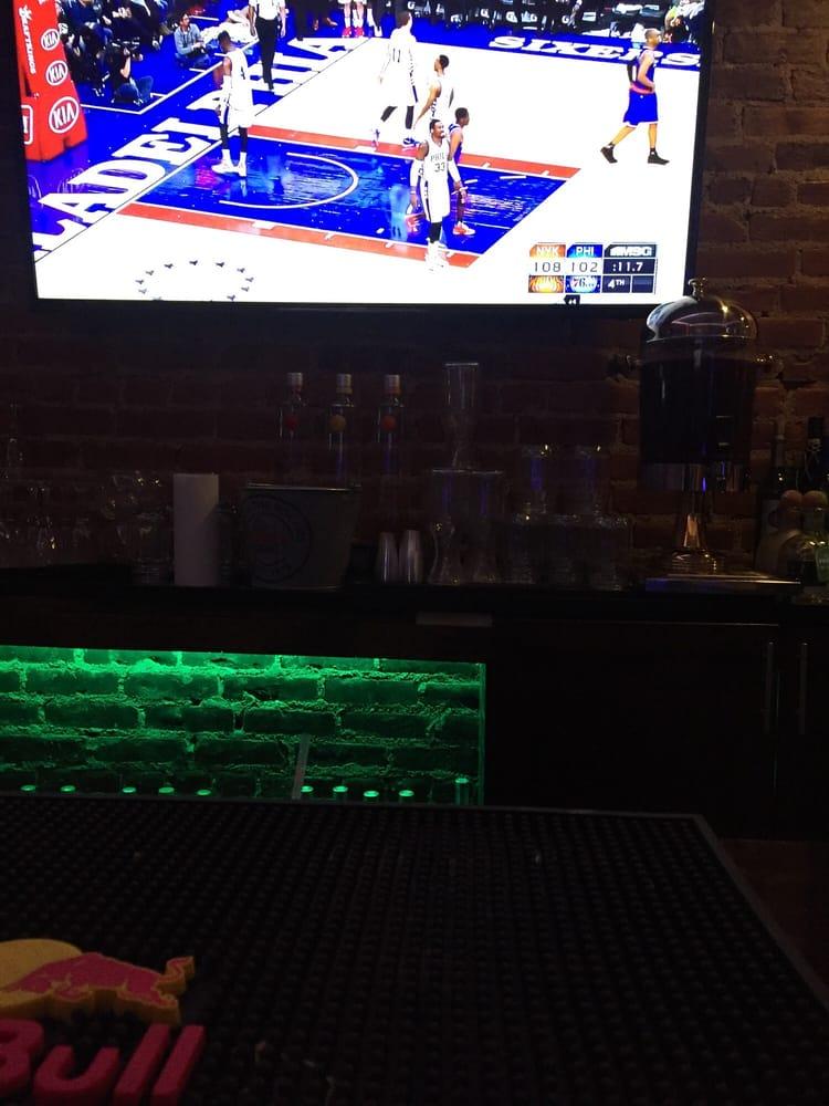 Mi Casita Lounge: 264 Soundview Ave, East Bronx, NY