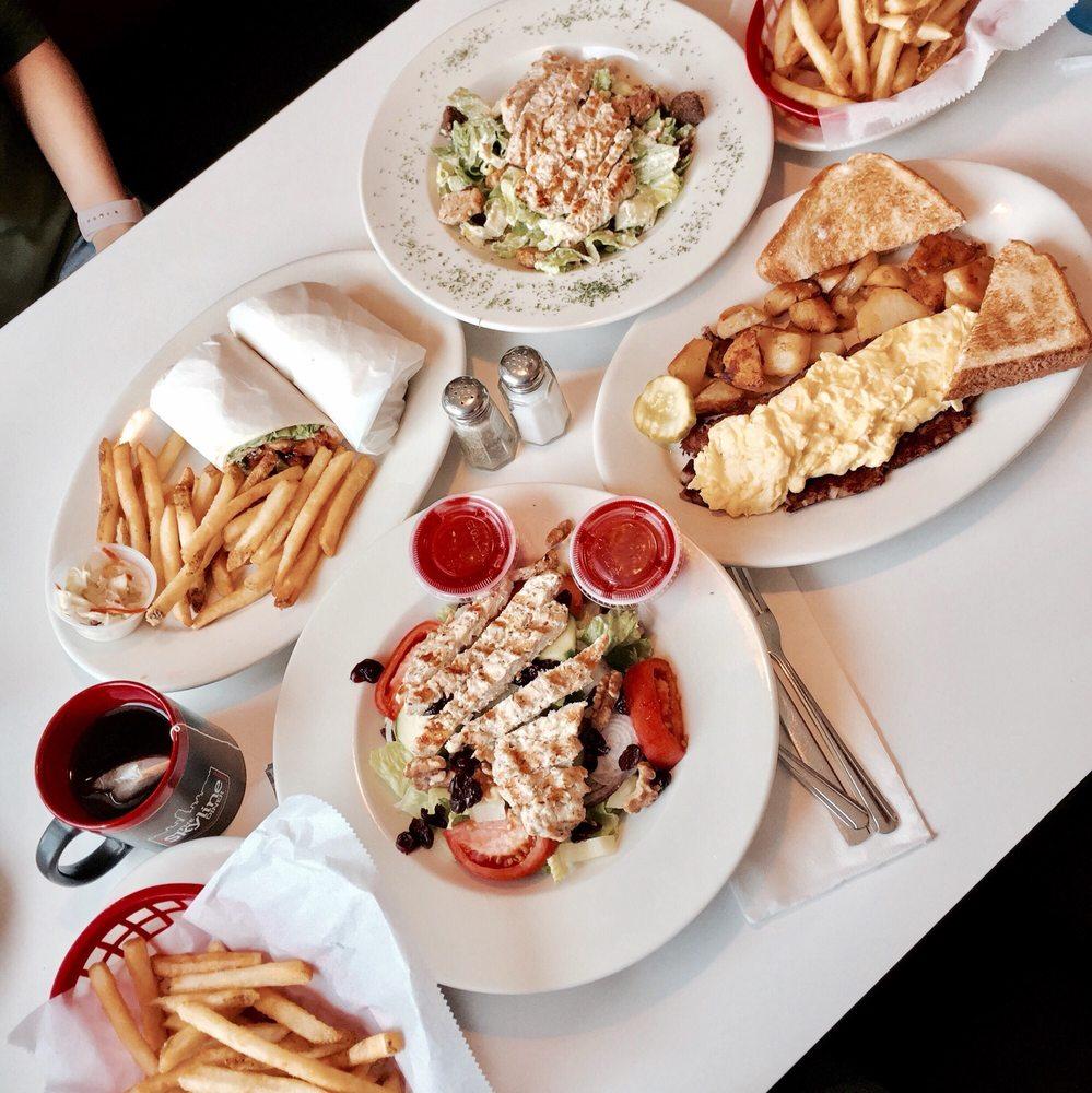 Skyline Diner: 314 Columbia St, Rensselaer, NY