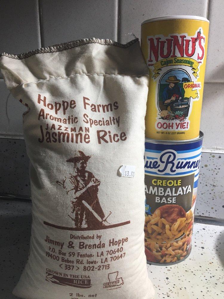 NuNu's Fresh Market: 309 E Lafayette St, Maurice, LA