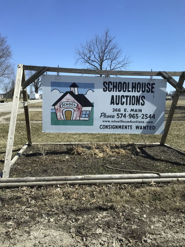 Schoolhouse Auctions: 366 E Main St, Yeoman, IN