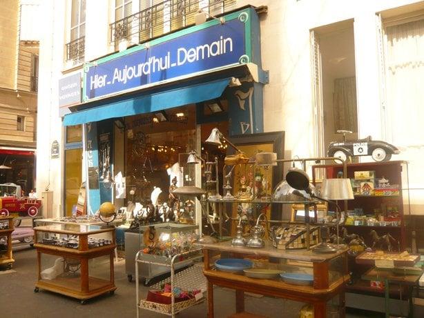 hier aujourd hui demain antiques 14 rue bretagne marais nord paris france phone number. Black Bedroom Furniture Sets. Home Design Ideas