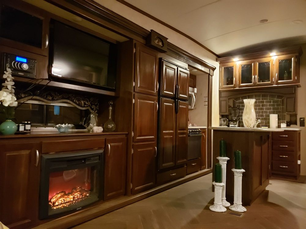 Don's Rv Center: 4872 Rohde Rd, Ceres, CA