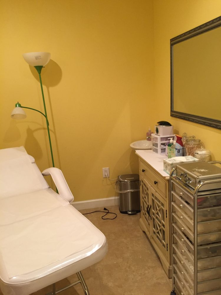 Luxury Nails Spa: 2032 Waterscape Way, New Bern, NC
