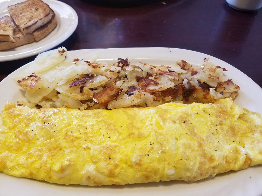 City Diner: 34900 Center Ridge Rd, North Ridgeville, OH