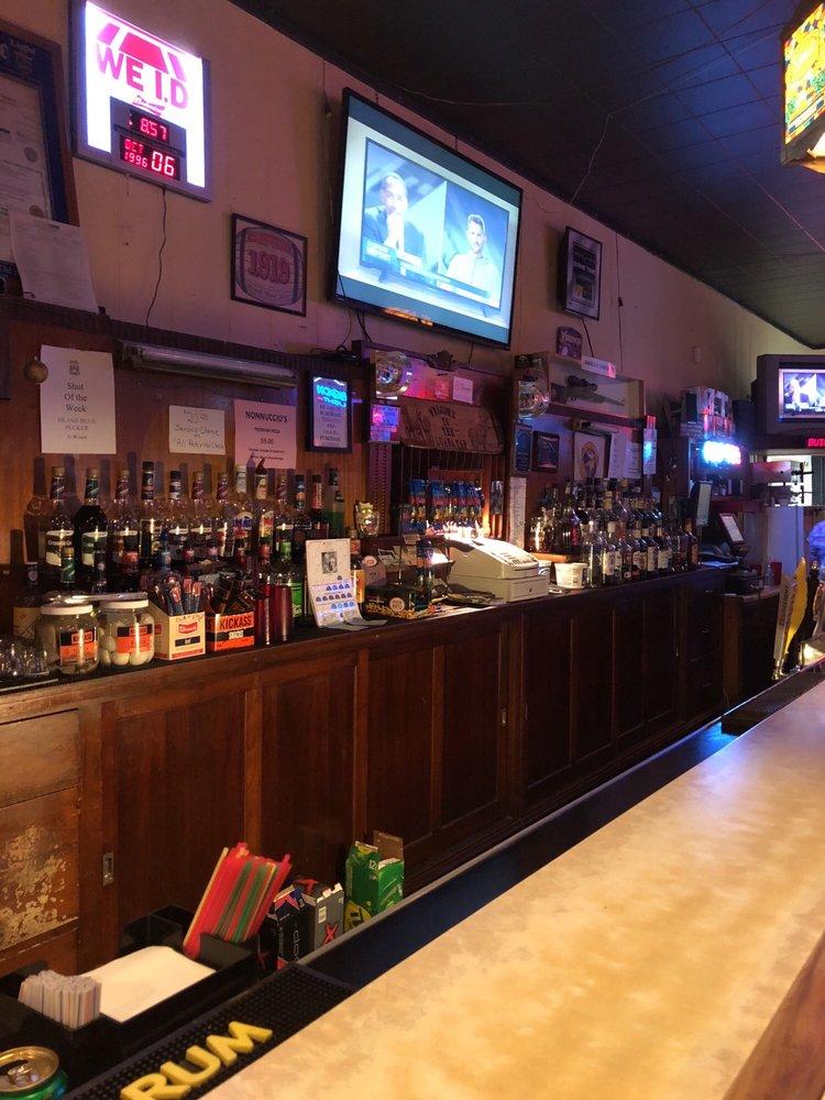Luana Tavern: 301 Main St, Luana, IA