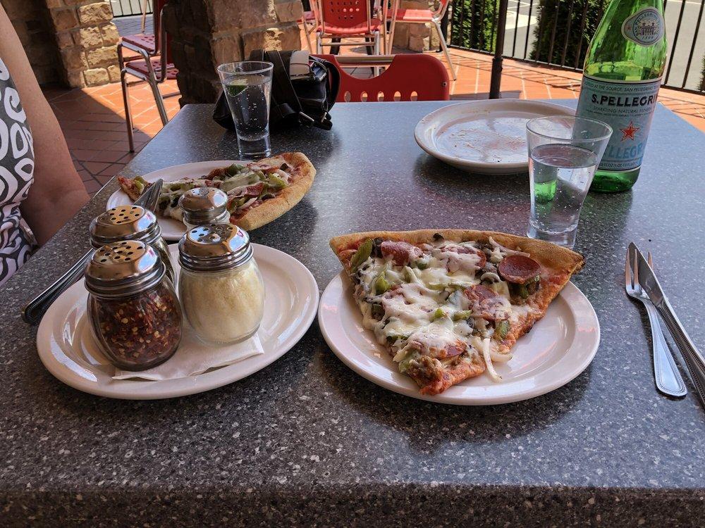 Ciro's Italian Eatery: 101 Downey Knoll, Elkton, VA