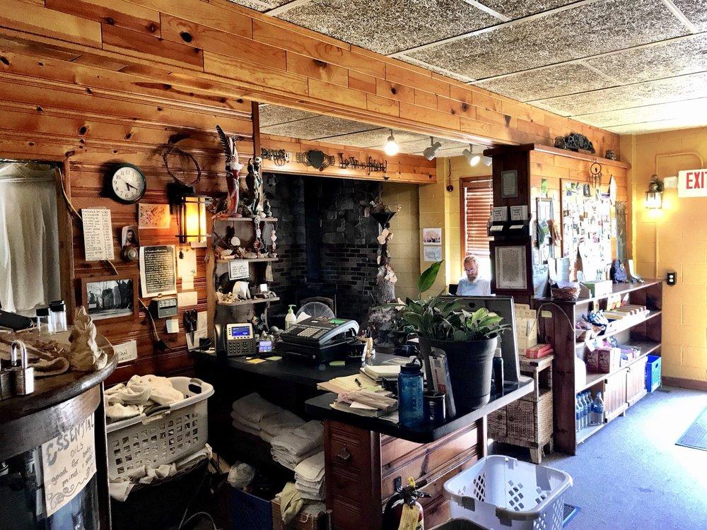 Southfield Family Sauna & Tub: 26900 W 8 Mile Rd, Southfield, MI