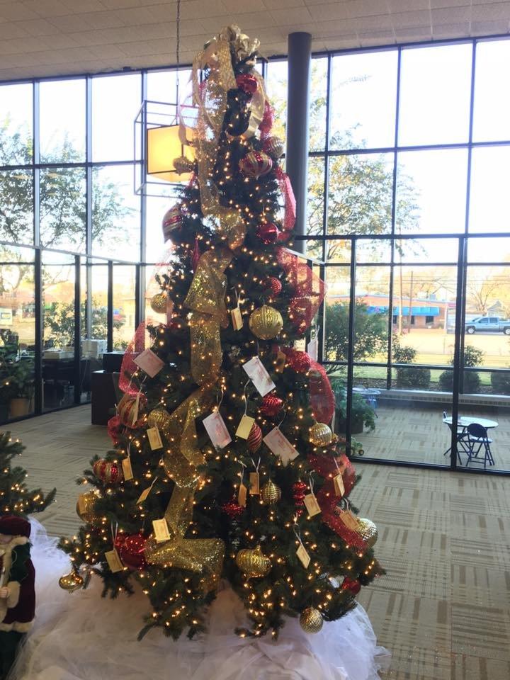 Ennis State Bank: 815 W Ennis Ave, Ennis, TX