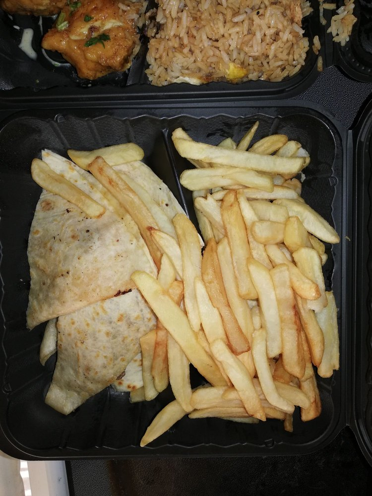 Kachi's Chicken: 4921 Allentown Rd, Suitland, MD