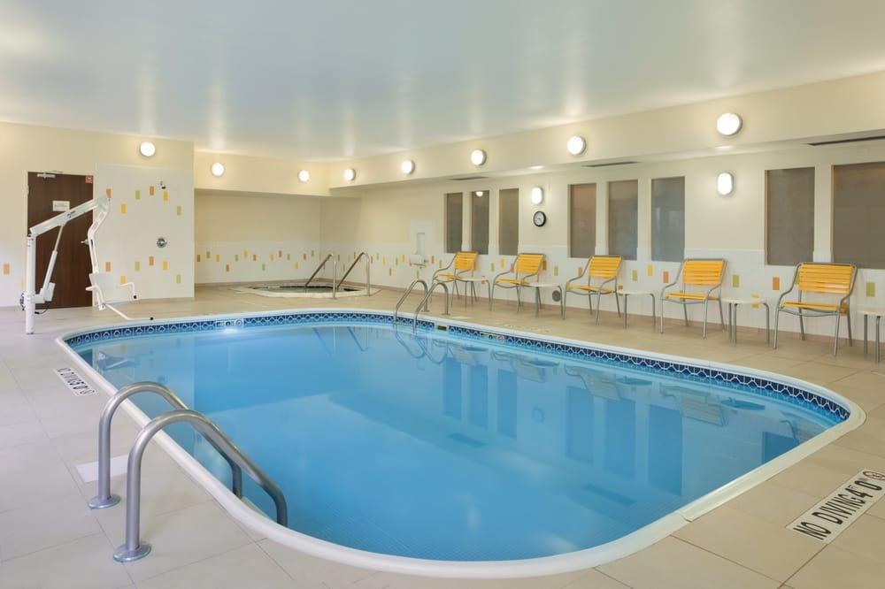 Fairfield Inn & Suites Mansfield Ontario: 1065 N Lexington Springmill Rd, Mansfield, OH