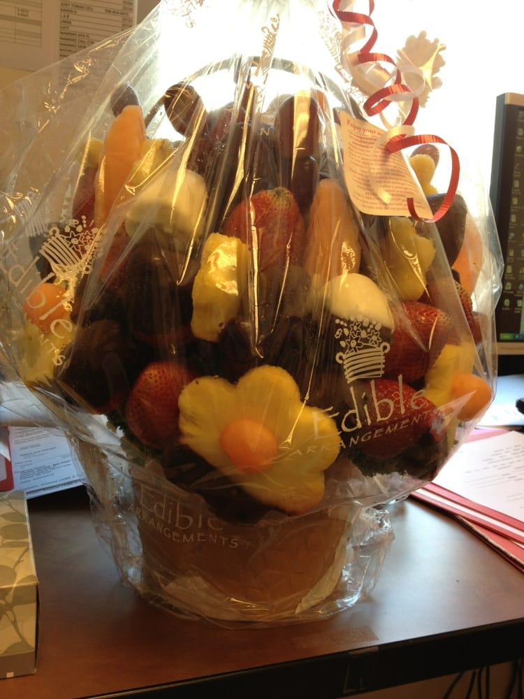 Edible Arrangements of South Chicago, E 95th St, Chicago,\nIL - Restaurant inspection findings and violations.