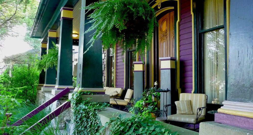Adamstown Inns & Cottages: 144 W Main St, Adamstown, PA