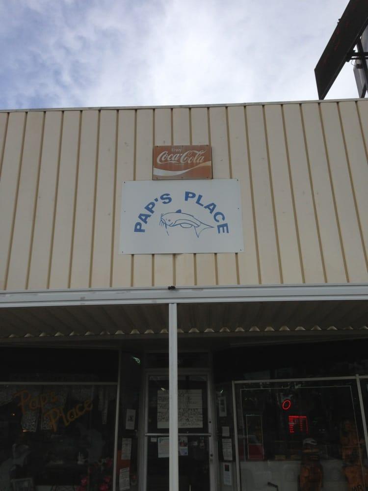 Pap's Place: 63 E Main St, Ackerman, MS