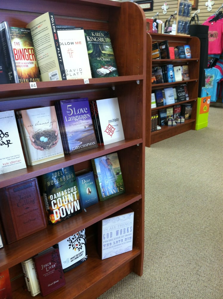 Bread of Life Books & Gifts: 130 S Main St, Clinton, MO