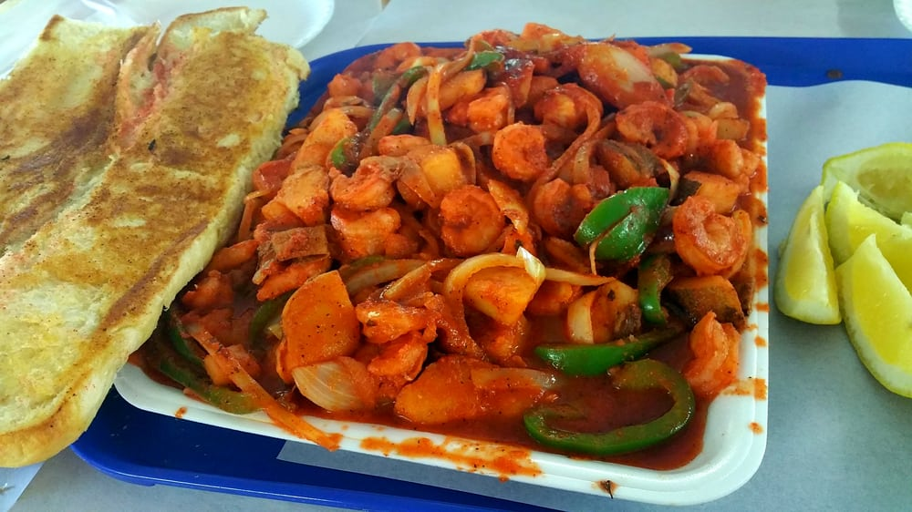 Spicy shrimp fajitas with garlic bread yelp for Redondo beach fish market