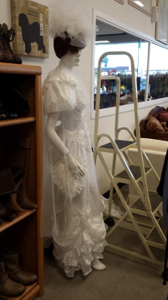 Vintage wedding dress yelp for Wedding dress stores las vegas