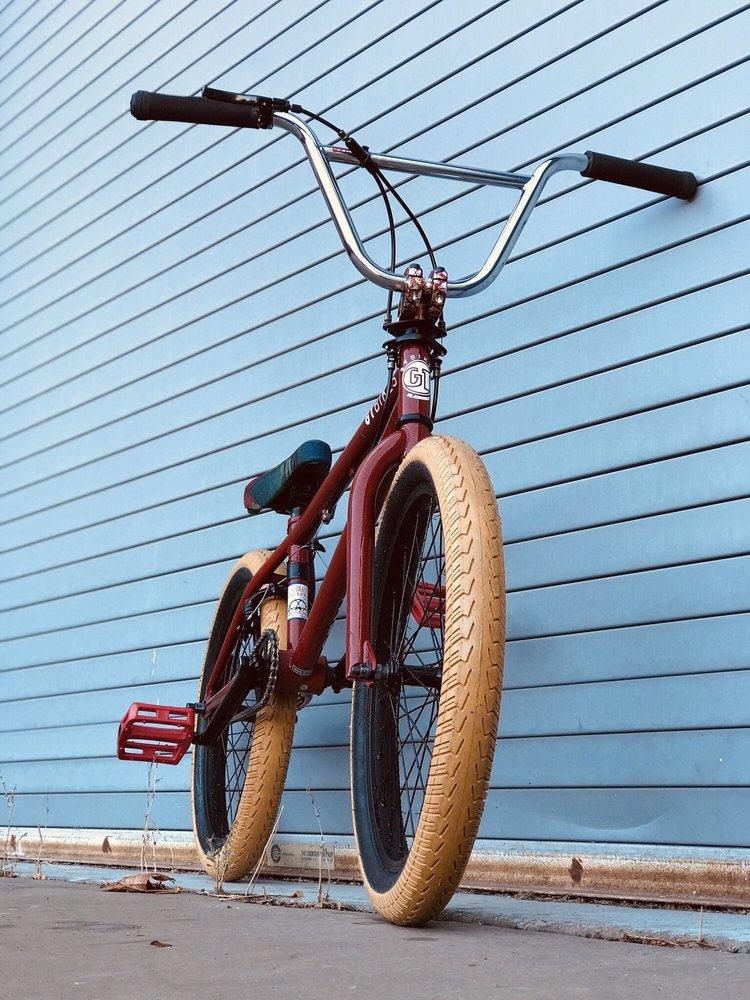 El Sobrante Cyclery: 5057 El Portal Dr, El Sobrante, CA