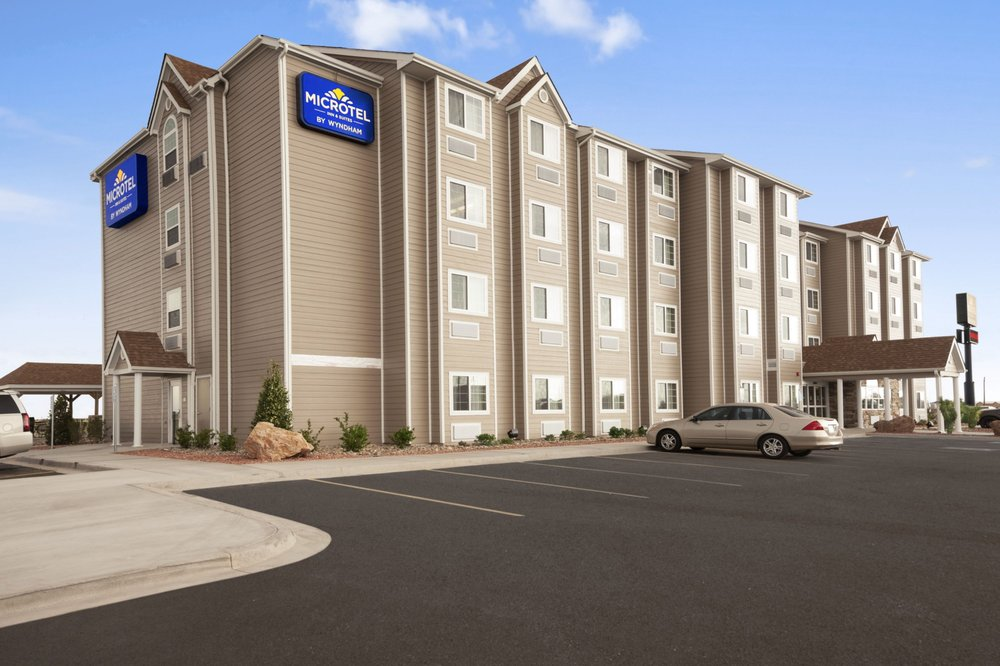 Microtel Inn & Suites By Wyndham Pecos: 5204 S Cedar Street, Pecos, TX