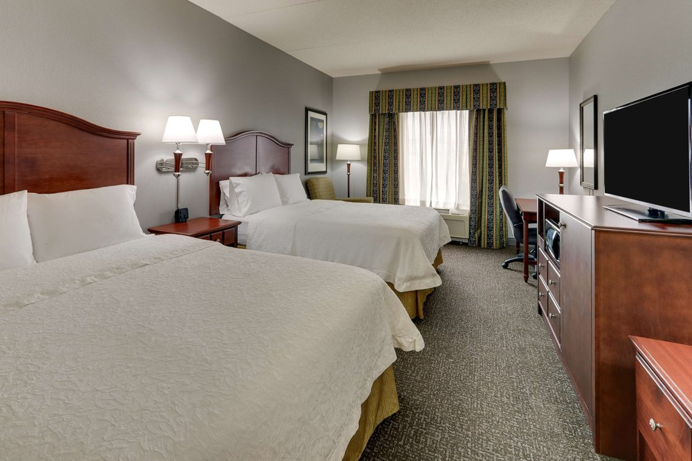 Hampton Inn & Suites Indianapolis-Airport: 9020 Hatfield Dr, Indianapolis, IN