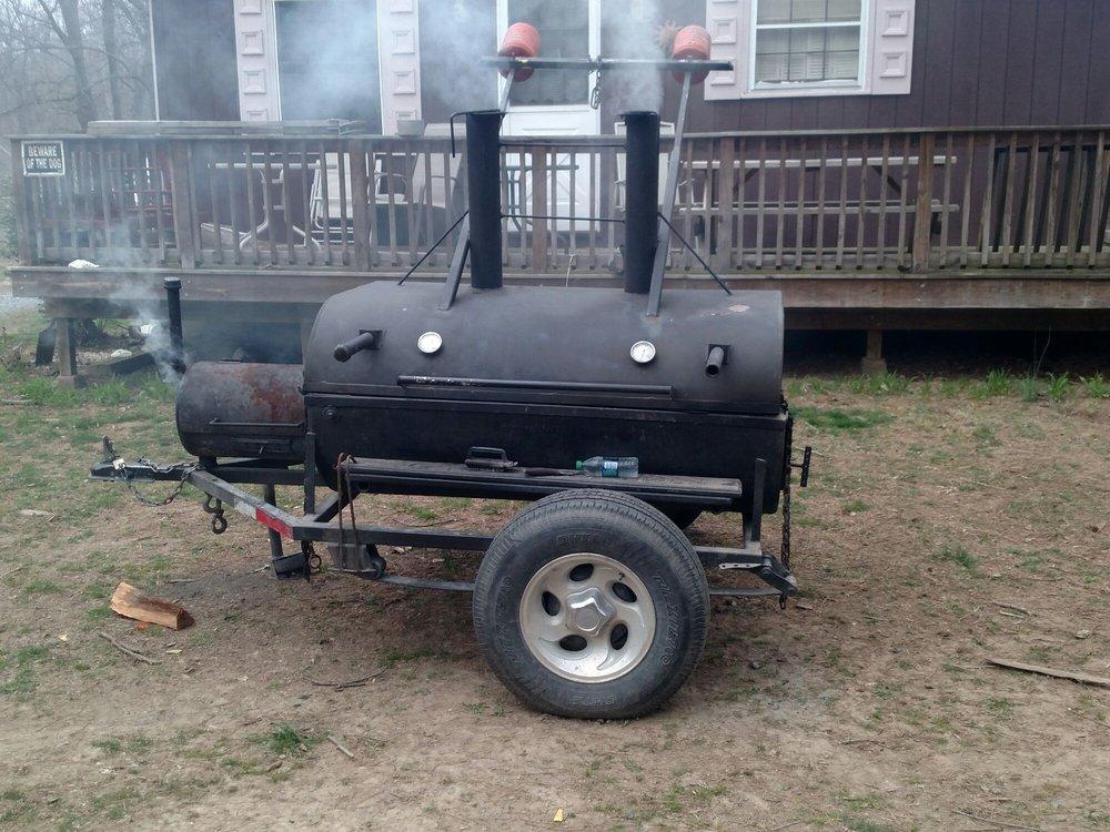 GT's Smoke Wagon: 119 Maryland Ave, Shenandoah, VA