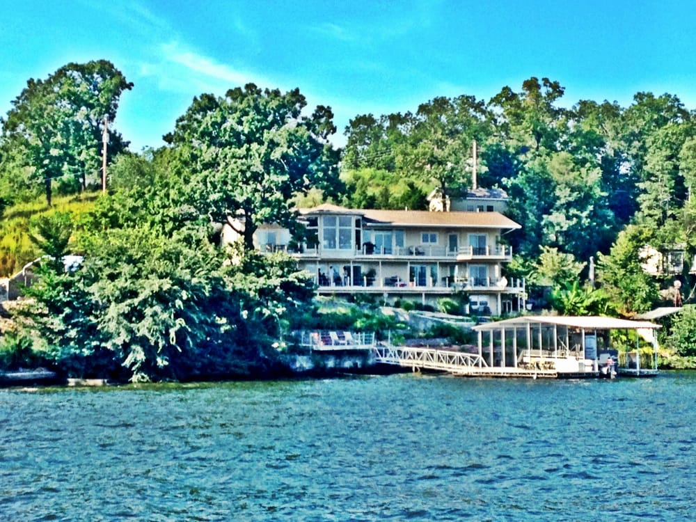 Garden House Bed & Breakfast: 4 Haney Rd, Lake Ozark, MO