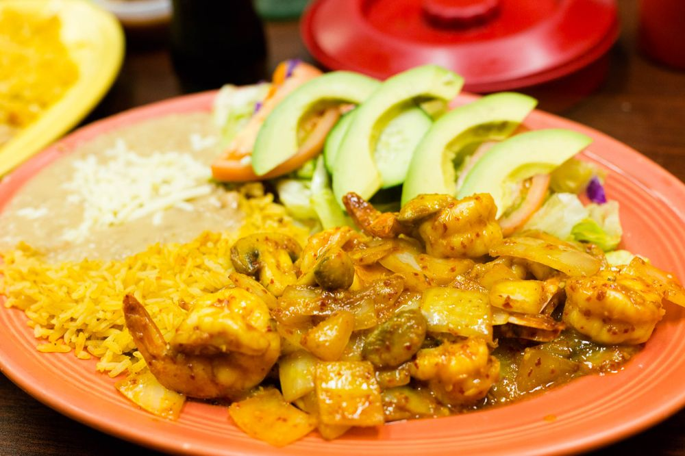 Food from El Maguey Taqueria