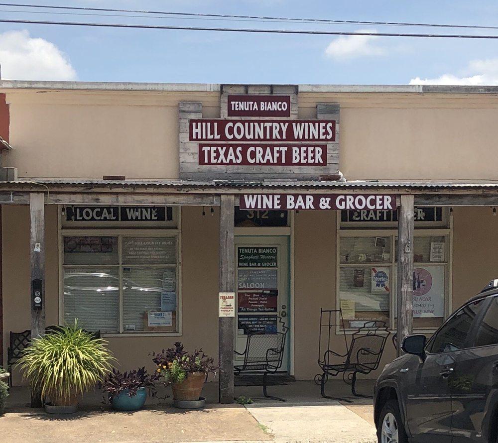 Tenuta Bianco: 312 Pecan St, Blanco, TX