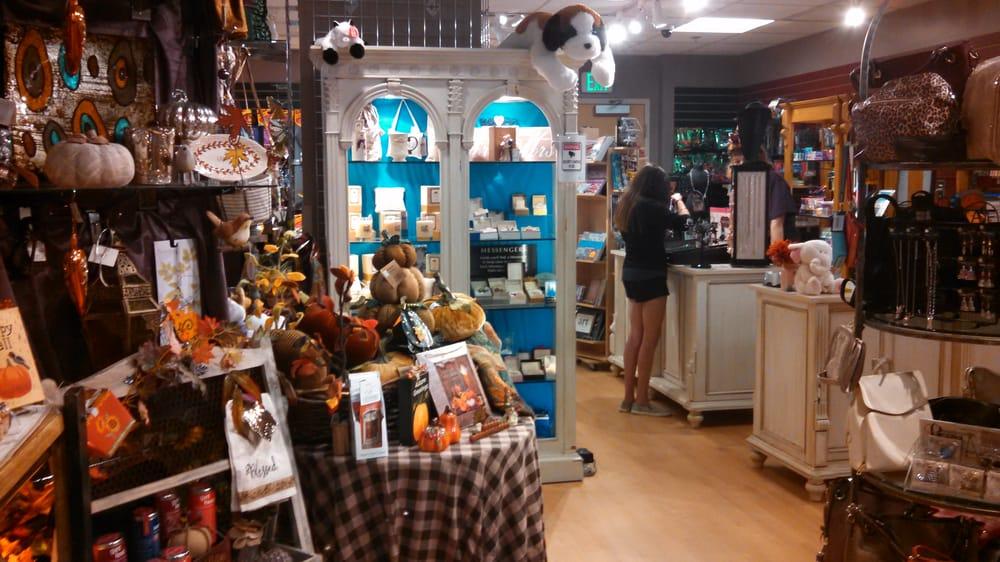 Banner Baywood Boutique Giftshops