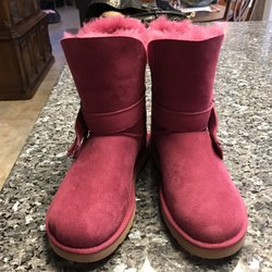 96f5c59670a UGG Outlet - 14 Photos & 25 Reviews - Shoe Stores - 740 E Ventura ...
