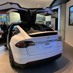 Tesla Motors - 929 Robson Street, Downtown, Vancouver, BC - 2019 All