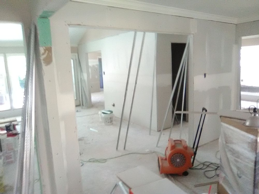 Drywall insulation and home repair: Chester, TX