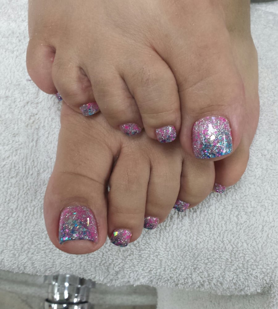 2 tone rockstar toe nails with gel top coat - Yelp