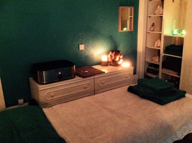 Leonie Raven Clinical Massage Therapy   Flat 7 49, Grosvenor Rd, Scarborough YO11 2LZ   +44 7980 354318