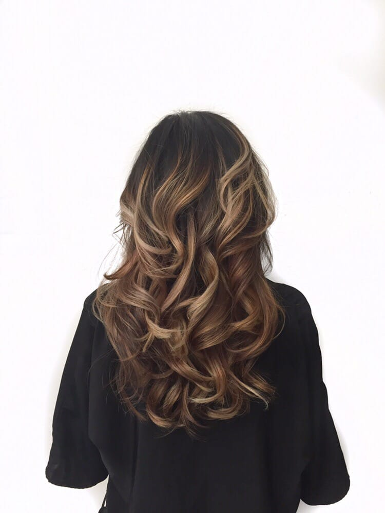 Caramel And Blonde Balayage Ombr 233 On Dark Brown Roots With