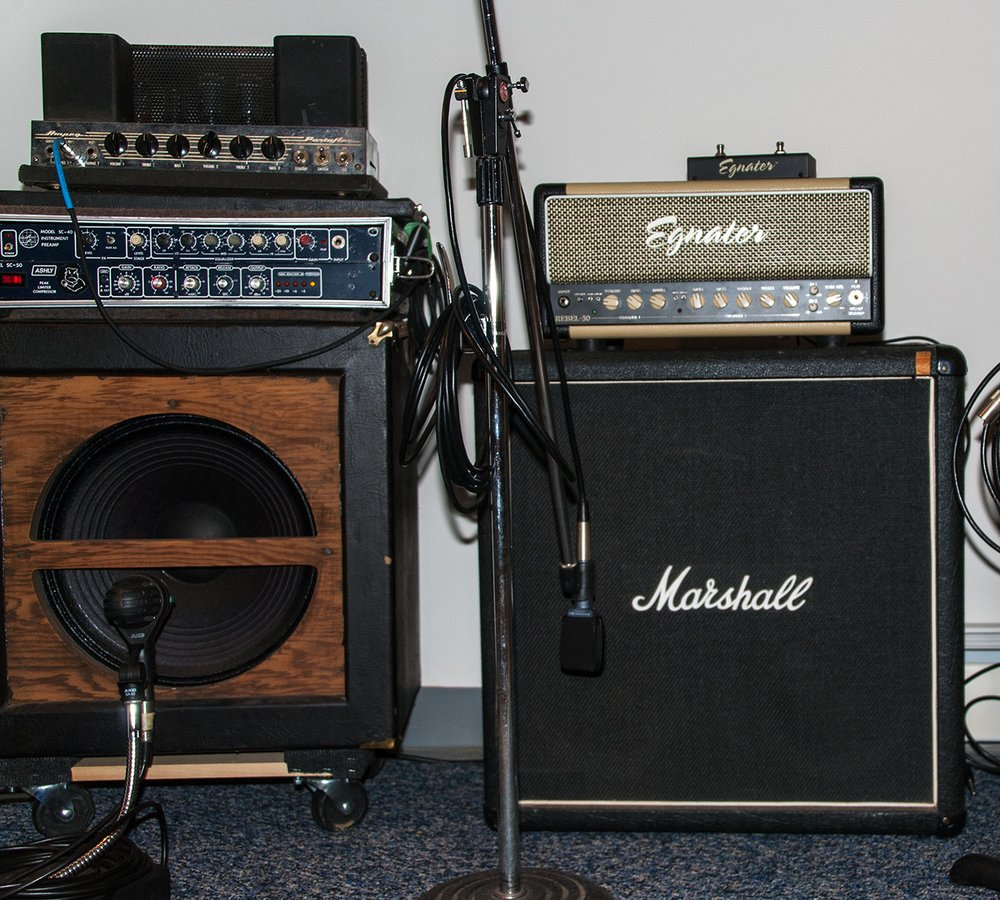 Marshall 4x10 Cabinet Ampeg B 15 And Marshall 4x10 Cab With Egnater Rebel 30 Head Yelp