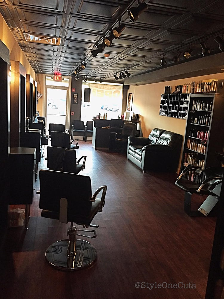 Style one cuts 21 photos coiffeurs salons de for 95th street salon