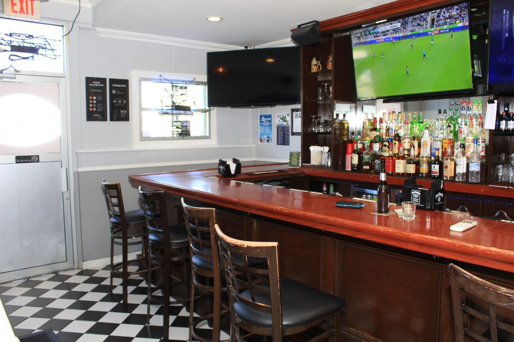 The Corner Pocket: 453 McLean Ave, Yonkers, NY
