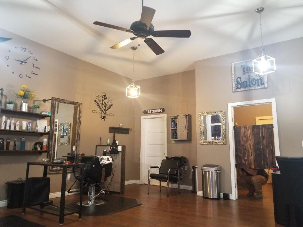 Main Street Salon: 13670 NW Main St, Banks, OR